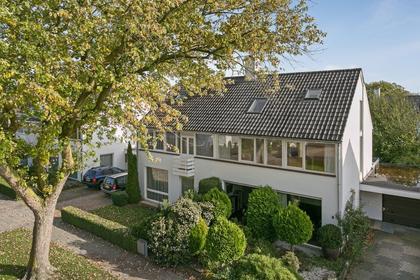 Van 'T Hoffstraat 8 in Helmond 5707 ES