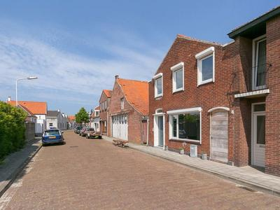 Ds. Jan Scharpstraat 4 in Axel 4571 GX