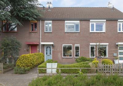 Zetveld 101 in Heerenveen 8447 BC