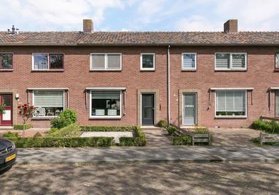 Piet Heinstraat 66 in Middelburg 4335 HX