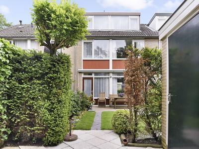 Hillenaarlaan 45 in Wassenaar 2241 JX