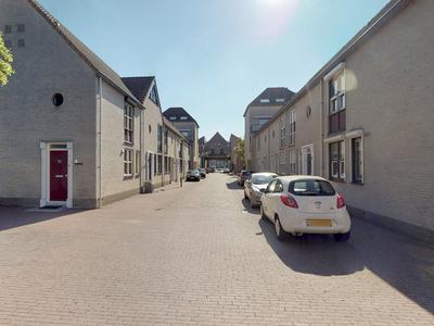 Bergse Poort 10 in Geertruidenberg 4931 KS