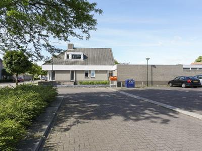 Looiershof 44 in Esch 5296 NS
