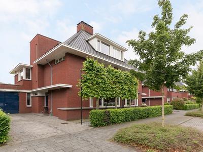 Koninginnenpage 12 in Oosterhout 4904 XG