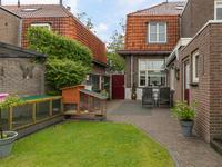 Algemeen:<BR>* Sfeervol herenhuis met mooie tuin!<BR>* Woning voorzien van houten kozijnen met dubbel glas en muurisolatie. <BR>* Bij het dak is van binnenuit wat isolatie aangebracht.<BR>* Houten verdiepingsvloeren.<BR>* Ligging nabij de grens met Belgie, de bossen en het centrum van Reusel.<BR><BR>* KORTOM: DE IDEALE WONING VOOR DIEGENE DIE SFEER, KARAKTER EN RUIMTE ZOEKT!<BR> <BR>* Tot zekerheid voor de nakoming van de verplichtingen van koper zal koper een  bankgarantie of waarborgsom storten in handen van de notaris (deze bedraagt 10 % van de koopsom).