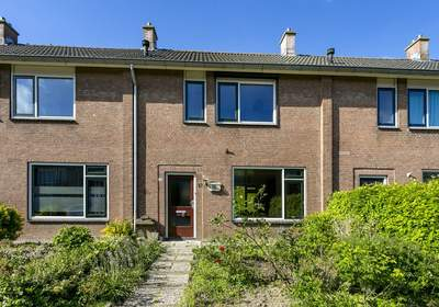 Prins Willem Alexanderstraat 15 in Willemstad 4797 HG