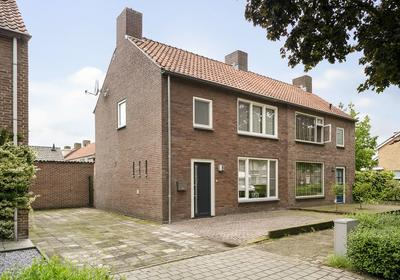 Van Gerwenstraat 14 in Hapert 5527 HD