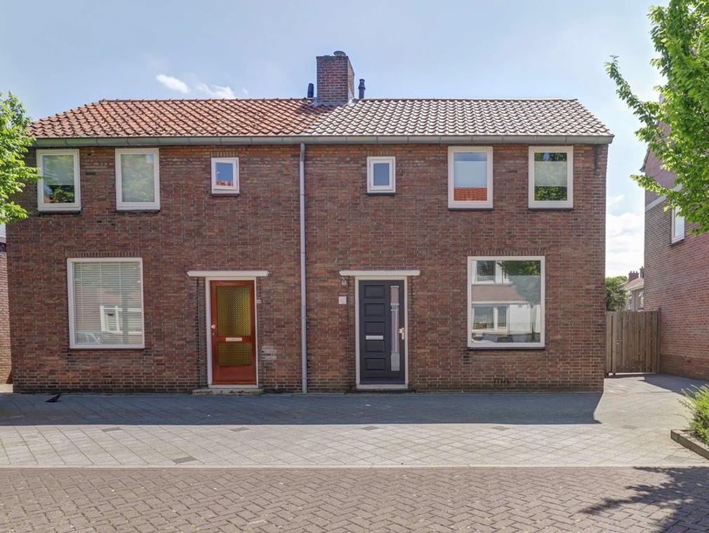 Troelstrastraat 32 in Hardinxveld-Giessendam 3371 VK