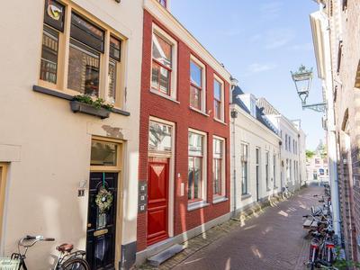 Sint Jacobstraat 11 in Kampen 8261 GX