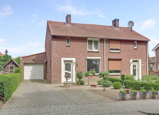 Kloosterstraat 29 in Helden 5988 CL