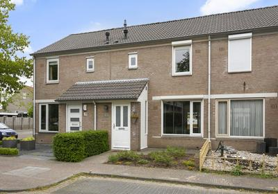 Dovenetelstraat 25 in Vught 5262 DD