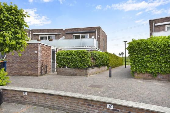 De Burcht 30 in Apeldoorn 7325 SB