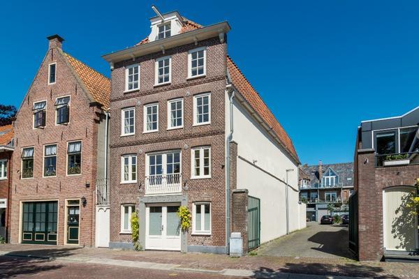 Appelhaven 20 in Hoorn 1621 BC