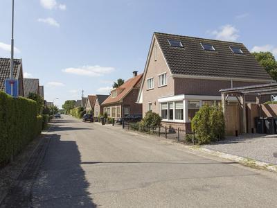 Mr. W.M. Kolffstraat 4 in Deil 4158 ER
