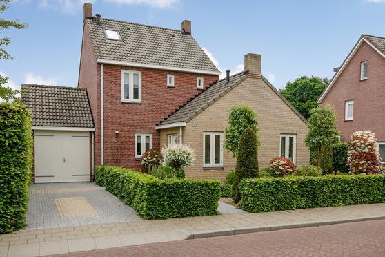 Pottenbakker 84 in Milsbeek 6596 GB