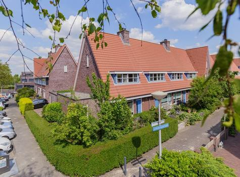 H. Poortmanstraat 1 in Velserbroek 1992 HT