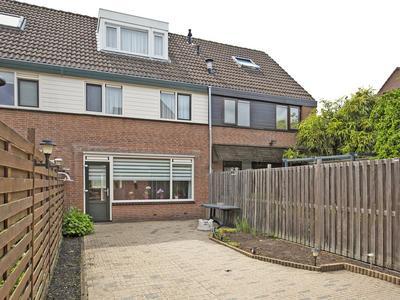 Doornenburg 72 in Alphen Aan Den Rijn 2402 KE
