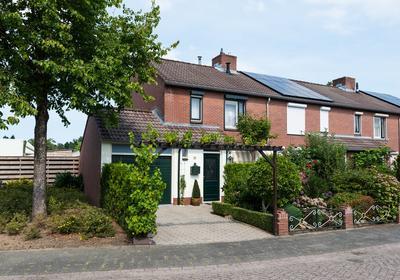 Hagedoorn 16 . in 'S-Heerenberg 7041 JT