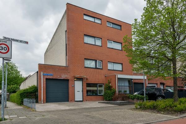 Bertus Aafjeshof 166 in Hoorn 1628 VT