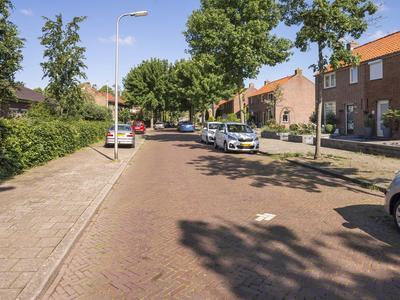 Albert Cuypstraat 2 in Deventer 7412 TN