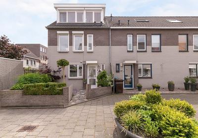 Pietersberg 53 in Alphen Aan Den Rijn 2402 ZH