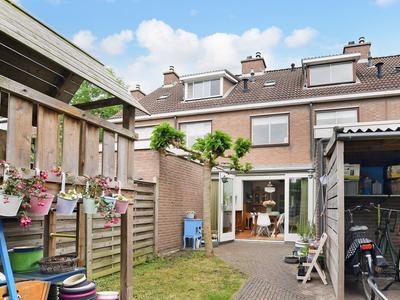 Pijlkruidstraat 4 in Voorhout 2215 GD