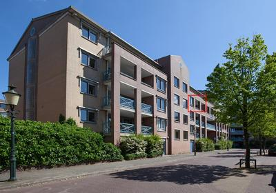 Wilhelminaplantsoen 93 in Bussum 1404 JR