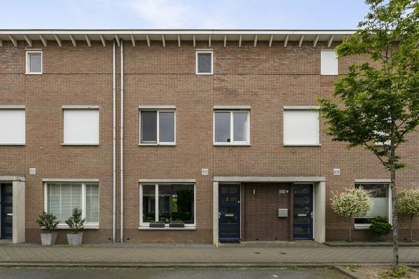 Paus Johannes Xxiii Straat 17 in Maastricht 6221 SG