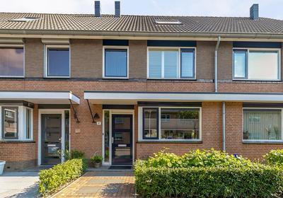 Nicolaas Van Puttenstraat 41 in Poortugaal 3176 VD