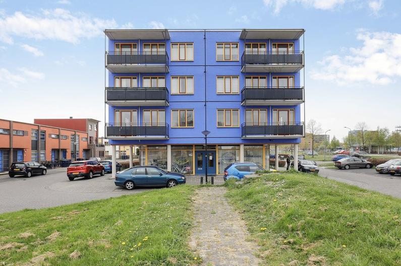 Scharlakenstraat 27 in Almere 1339 AC