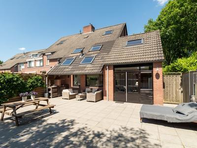 Nieuwenhuisstraat 1 in Rijssen 7462 MP