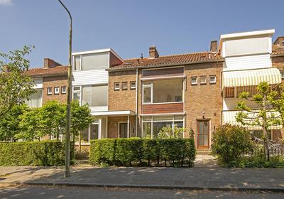Mr. F.A. Van Hallweg 51 in Amstelveen 1181 ZT