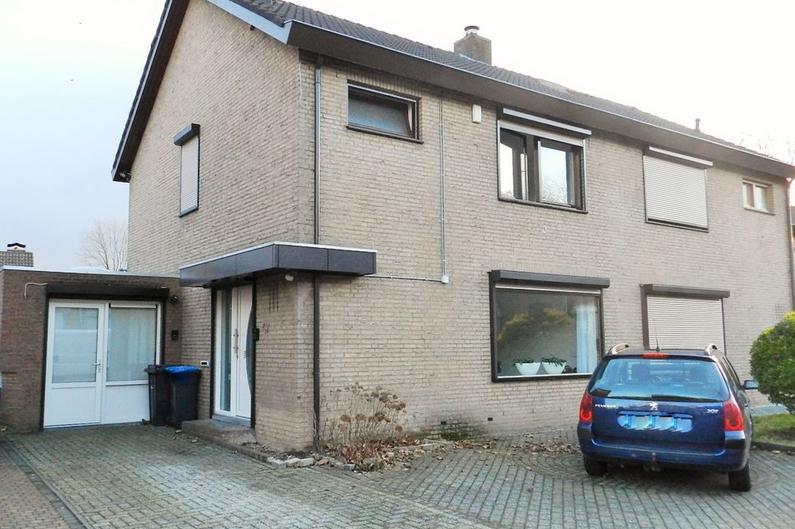 Dr. Albert Schweitzerstraat 47 in Hoensbroek 6431 VE