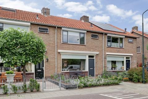 Jan Steenstraat 18 in Hardinxveld-Giessendam 3372 XH