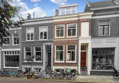 Mgr. Van De Weteringstraat 80 in Utrecht 3581 EK