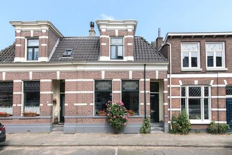 Van Ittersumstraat 71 in Zwolle 8012 TJ
