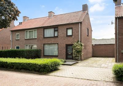 Van Gerwenstraat 16 in Hapert 5527 HD