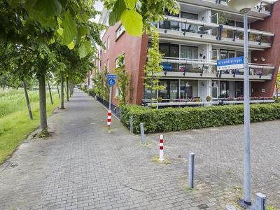 Vivaldisingel 25 in Nieuw-Vennep 2151 GM
