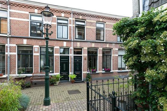 Emmastraat 17 in Weesp 1381 BJ