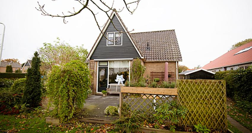 Julianalaan 11 in Midlum 8872 NL