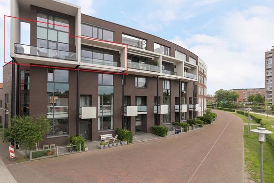 Baron Sloetkade 213 in Apeldoorn 7321 ZV