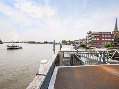 Dorpsstraat 27 in Ouderkerk Aan Den IJssel 2935 AB