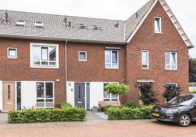 Hof Van Callenbroeck 39 in Barneveld 3771 DL