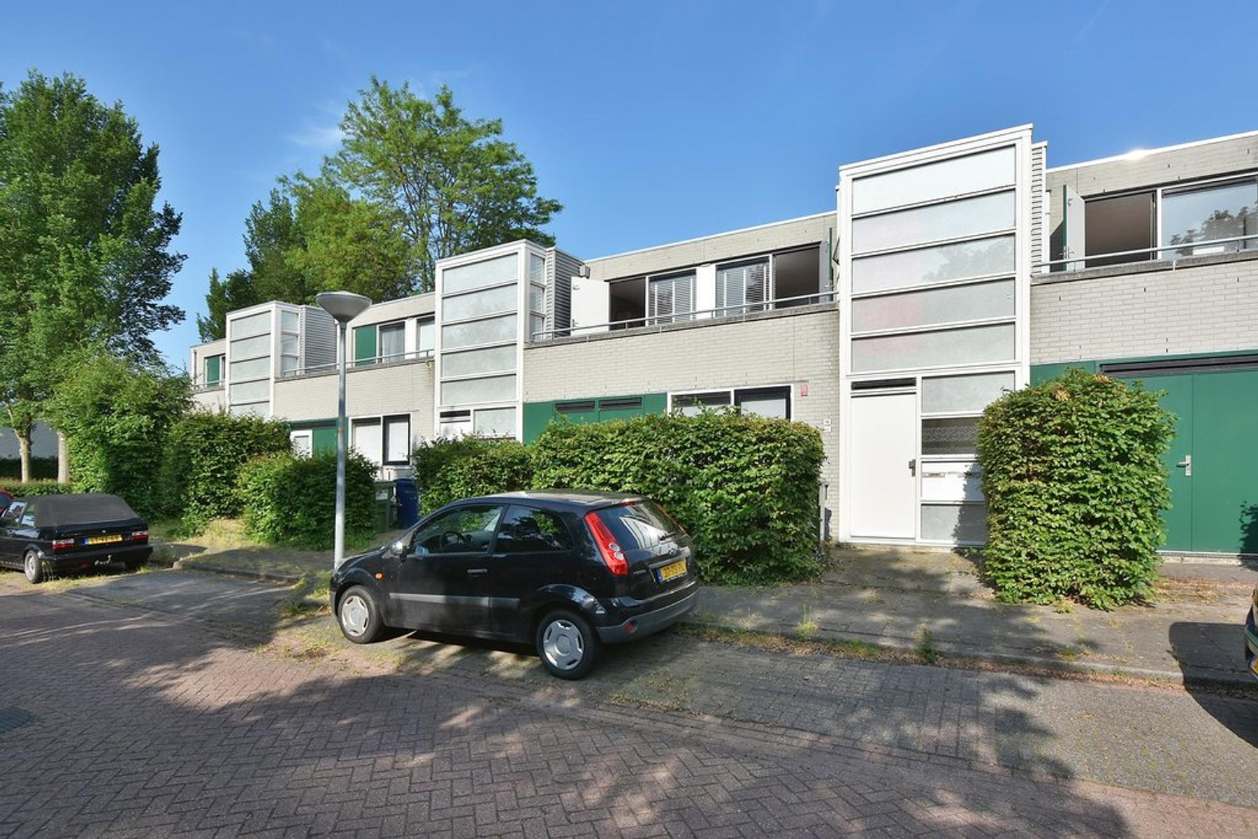 Laurence Olivierstraat 18 in Almere 1325 KC