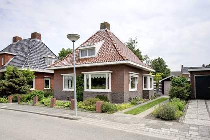 Cronjestraat 3 in Warffum 9989 BS