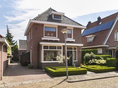 Dillenburgstraat 24 in Nijverdal 7443 ZE