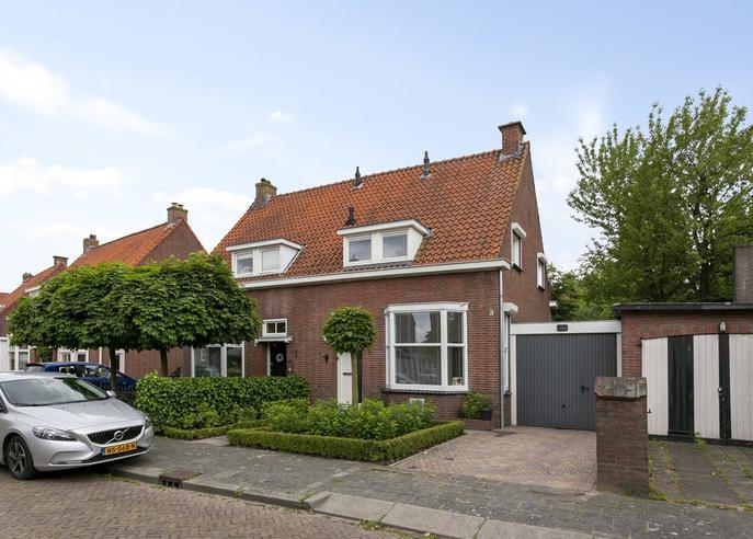 Heuvellaan 2 in Roosendaal 4702 TP