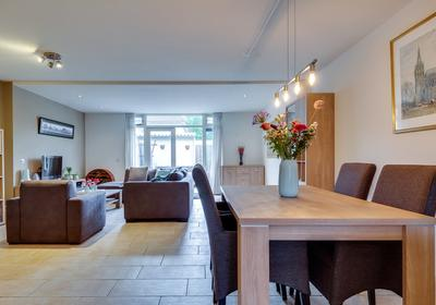 Pastoor De Leijerstraat 104 in Rosmalen 5246 JG