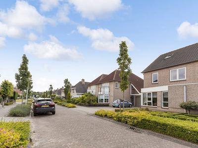 Entstraat 17 in Oudenbosch 4731 XH