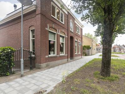 Driehoefijzersstraat 4 in Zevenbergschen Hoek 4765 BG